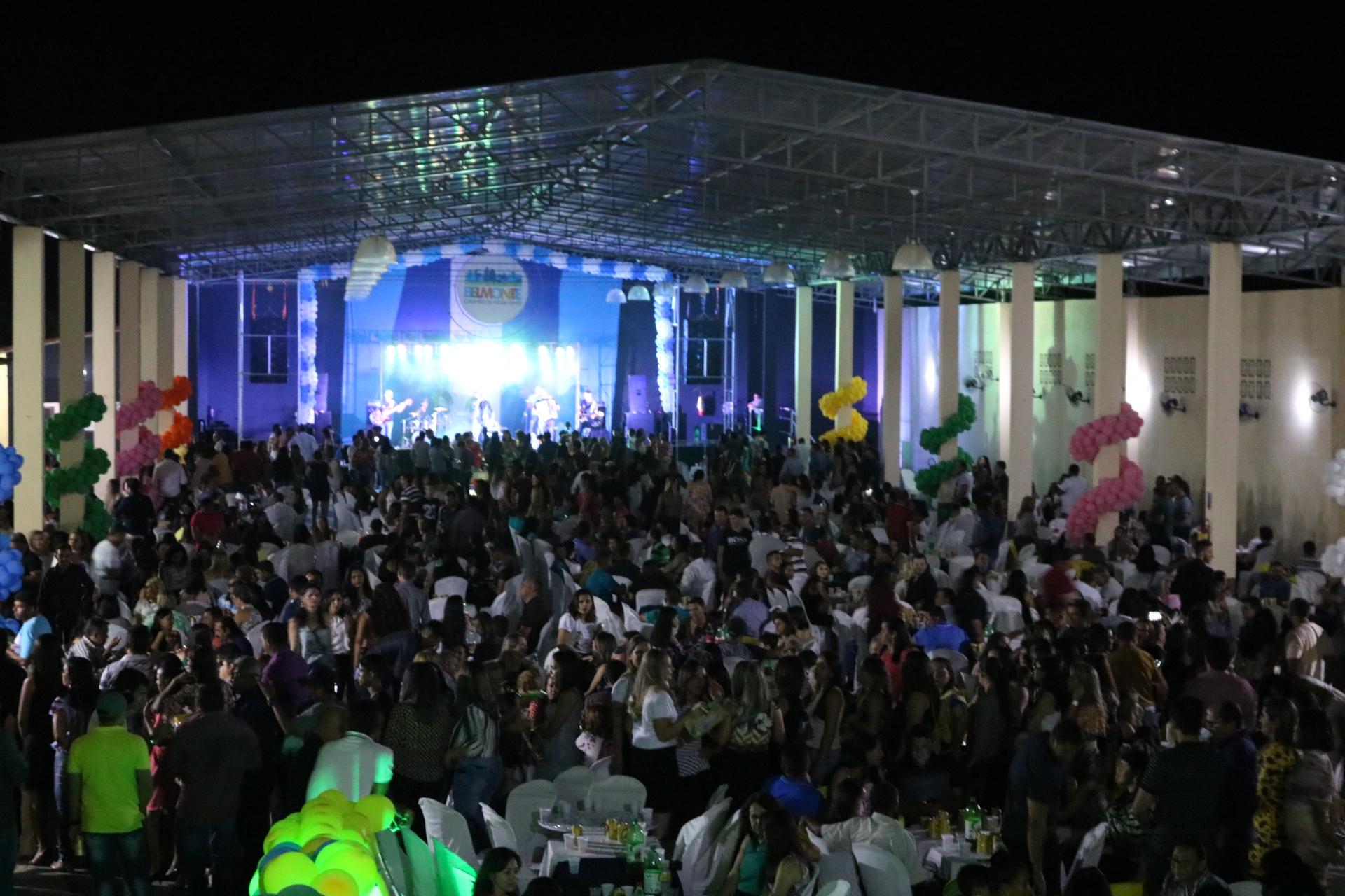 1ª Confraternização dos Servidores Municipais reúne cerca de 1,5 mil pessoas em São José do Belmonte