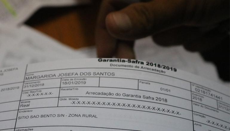 Prefeitura de São José do Belmonte distribui boletos do Programa Garantia Safra