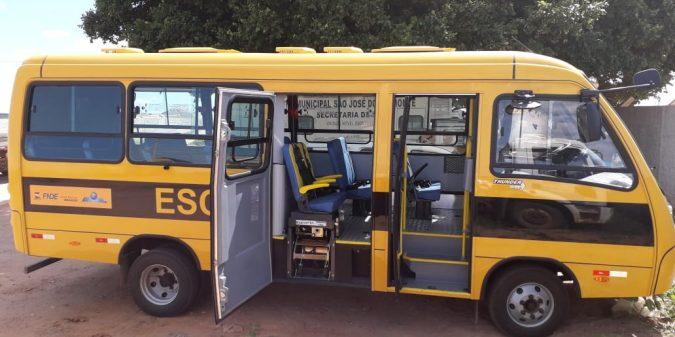 São José do Belmonte recebe mais um micro-ônibus do FNDE