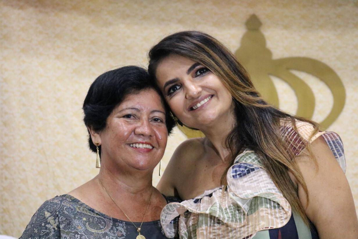 Heliany Mariano emite nota de pesar pela morte de Liana Baia