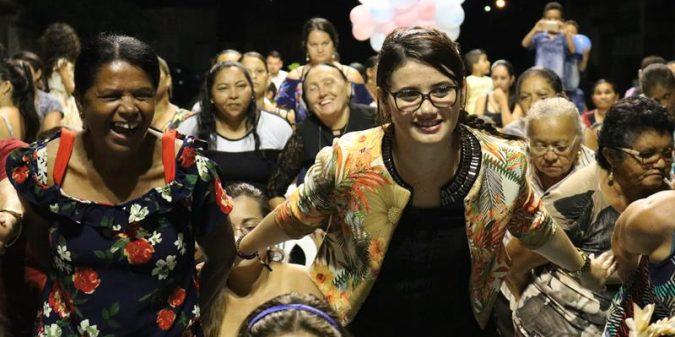 Equipe da UBS Carmo realiza homenagem ao Dia das Mães