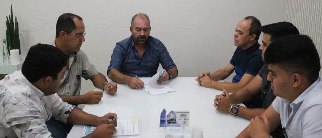 Romonilson assina contratos de R$ 6,8 milhões para construção de creches