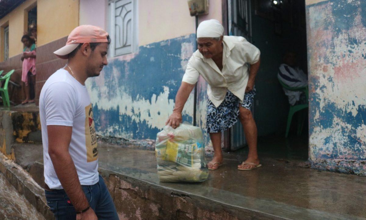 Prefeitura de São José do Belmonte entrega cestas básicas a beneficiários do Bolsa Família