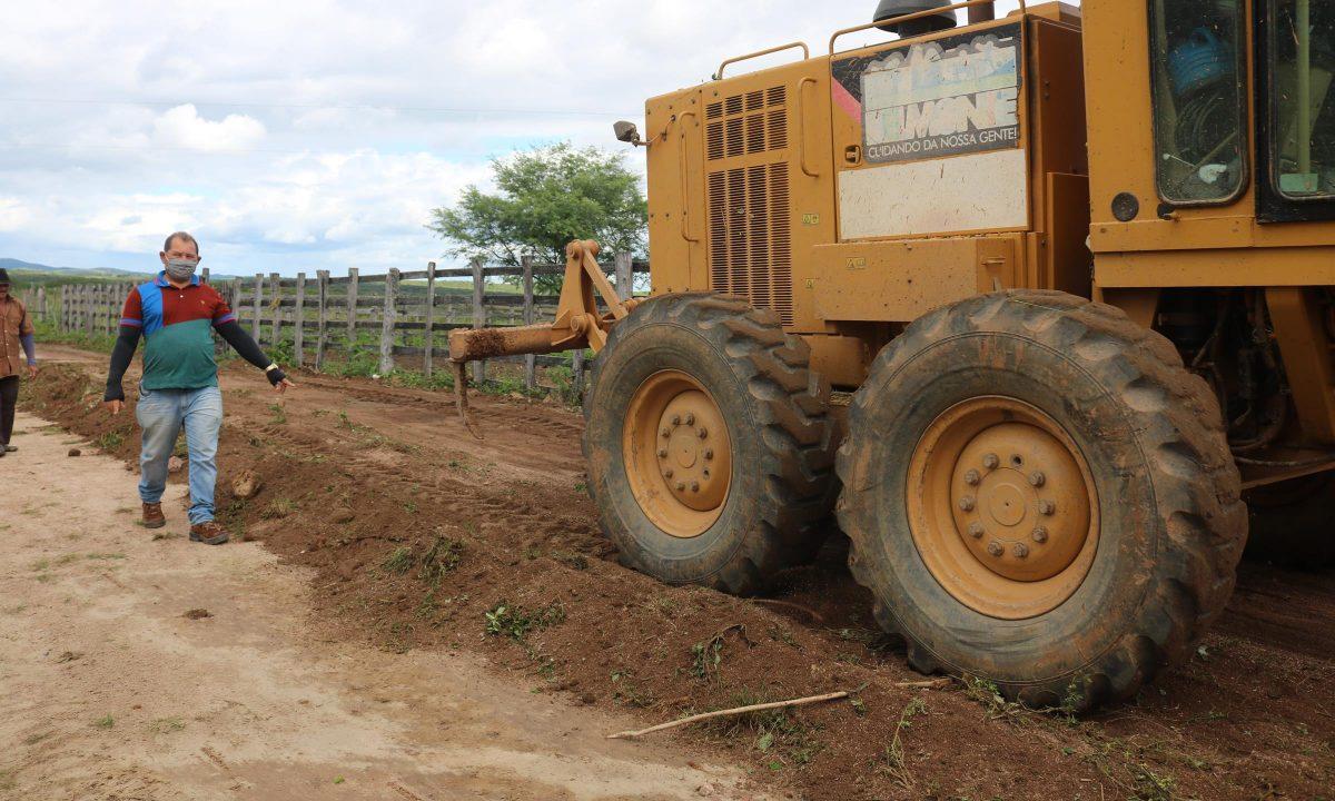 Prefeitura inicia operação para recuperação de estradas