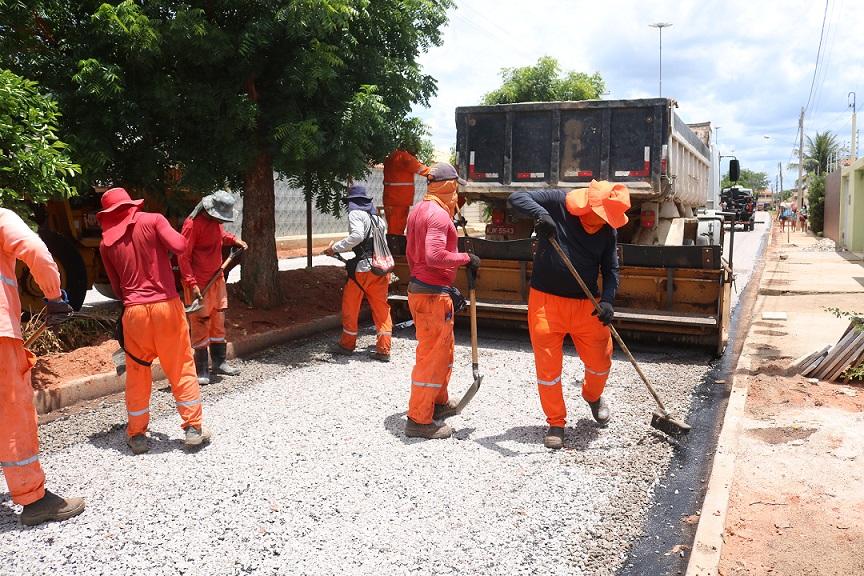 Prefeitura inicia pavimento asfáltico na Cacimba Nova