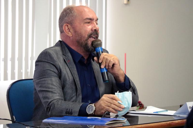 Prefeito de São José do Belmonte se reúne com comerciantes para falar sobre o decreto estadual