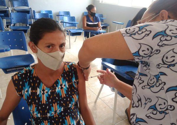 Gestantes e Puérperas de Belmonte recebem vacina da Pfizer contra a Covid-19