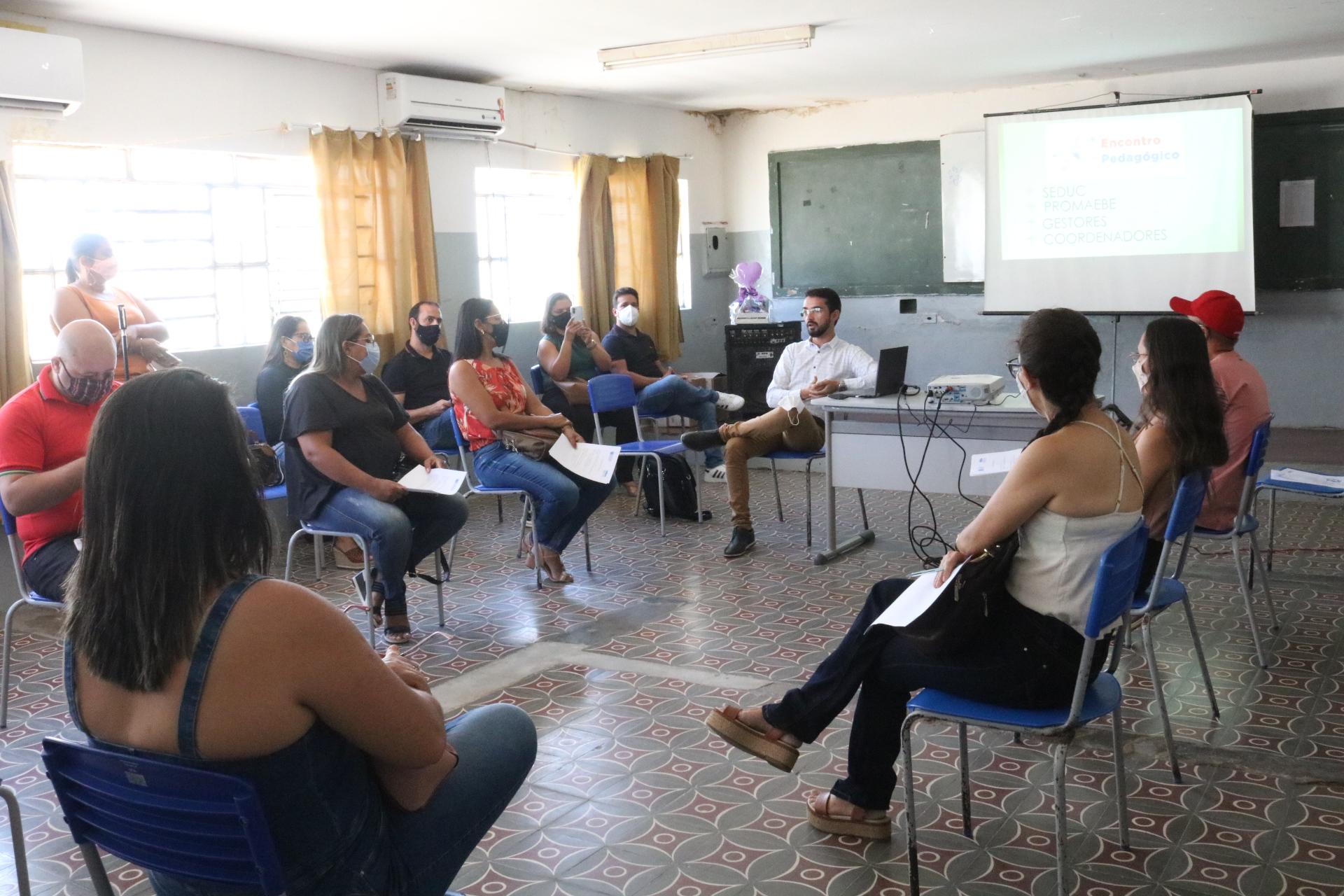 Encontro pedagógico reúne profissionais da educação em Belmonte