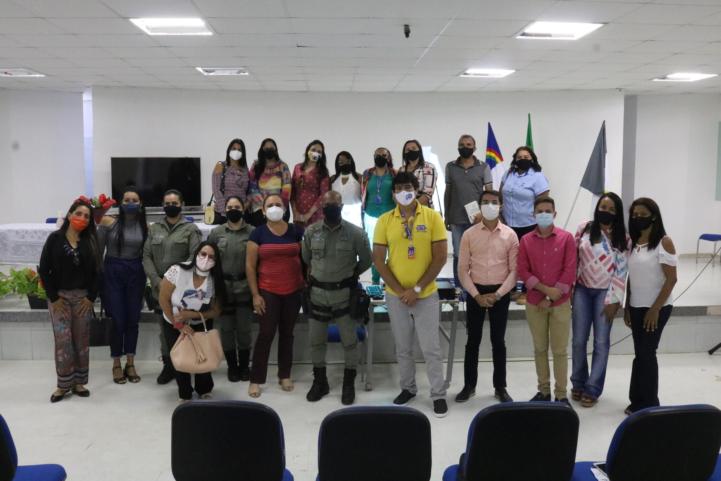 Servidores Municipais debatem com equipe do Governo do Estado sobre políticas para mulheres